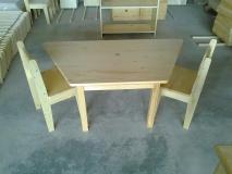 Detský lichobežníkový stôl