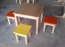 Detský stolík + farebný hokrlík