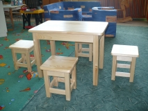 Detský stolík + hokerlík