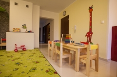 Detský stolík + stoličky - realizácia