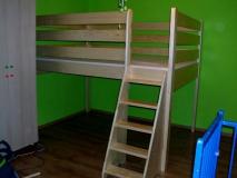 Poschodová posteľ horné spanie